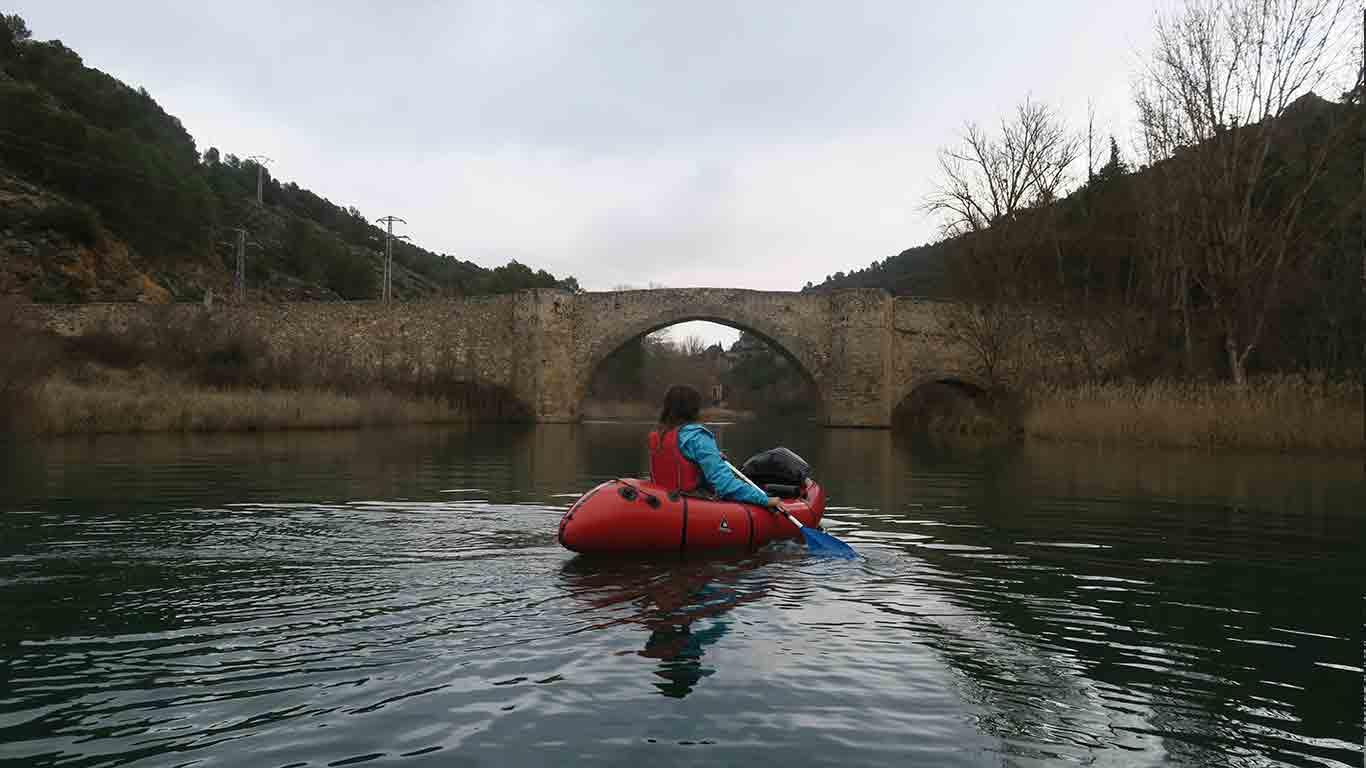 bolarque-puente-kayak