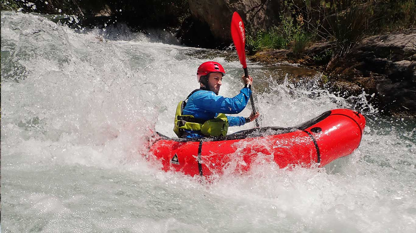 packrafting-white-water